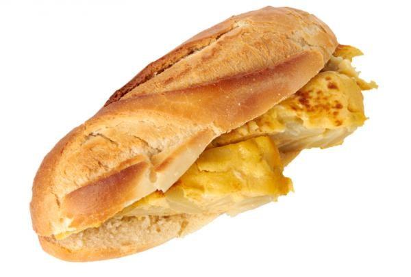 bocadillo-tortilla-variada