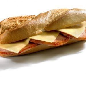 bocadillo_lomo_y_queso